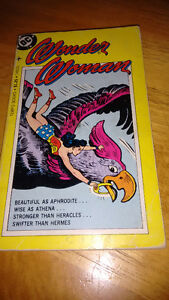 Wonder Woman DC , softcover Tempo Book