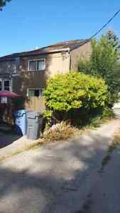 3 bedroom in Lord Roberts for sublet with option to renew