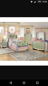 Doll house bedroom, with twin mattress