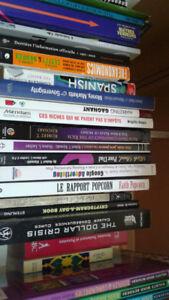 livres de toutes sortes, jeux, etc etc ... psycho, romans, etc .