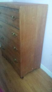 Vintage  4 drawer Dresser