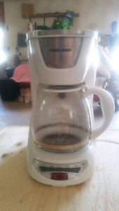 White Black and Decker 12 cup Coffee Maker