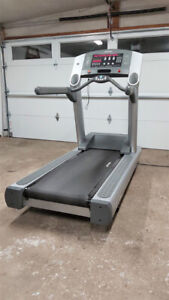 Life Fitness Treadmill 95TI Commercial Grade Work out Gym
