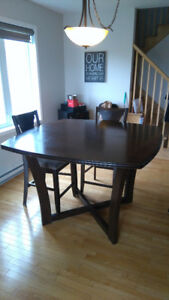 Table de cuisine / kitchen table a vendre hauteur Bar