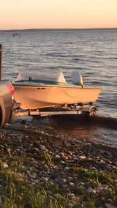 16' fibreglass boat, Johnson 50, Trailer