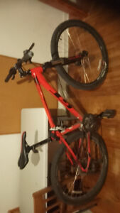 Selling Bicycle GT Avalanche Sport