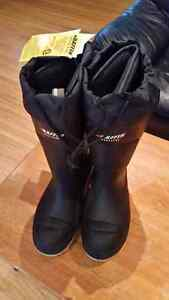 Brand new!! Men's size 10 winter work boots