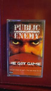 Cassettes audio de Public Enemy, Outkast, Ice Cube....