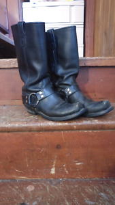 Mens boots size 7
