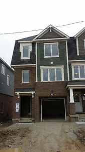 NEW 3 BEDROOM TOWNHOUSE @ WANLESS / CREDITVIEW