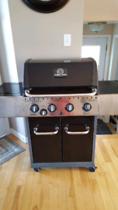 BRAND NEW Sterling Barbecue NEUF!!!