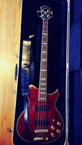 Washburn WB66 Bass