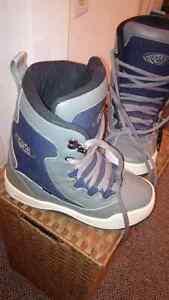 Boys Snowboard Boot size 5