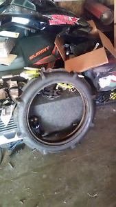 sand wedge paddle tire.  like new