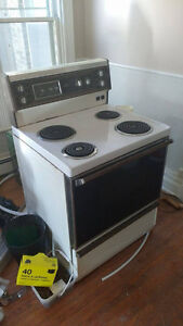 Stove - White Works Great