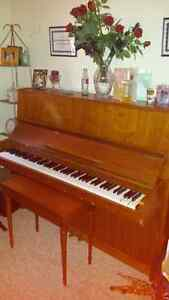 Good used condition Piano
