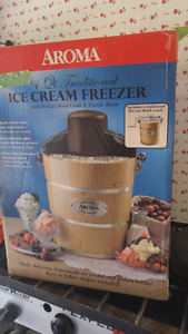 ICE CREAM MAKER FOR SALE... DONT MISS OUT