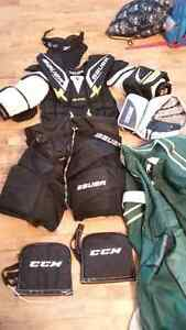 GOALIE GEAR ADULT SIZE SMALL