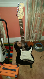 Fender Squier strat with hardcase 200 obo or trades