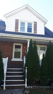 ROOMS FOR RENT IN 945 ELM AVENUE