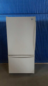 GE Refrigerator Bottom Mouted Freezer