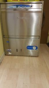 Lave-vaisselle commercial de marque Lamber