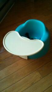 Siège bumbo avec table