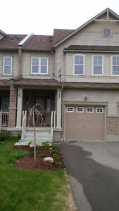 3 BR Executive TH- Whitby Shores - WE PAY YOUR MOVING COSTS!