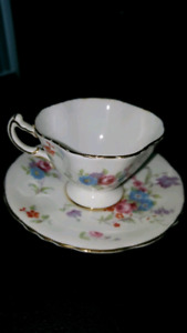 Vtg and rare HAMMERSLEY tea cup & saucer .