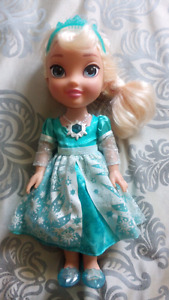 """Frozen"" Talking and singing Elsa doll"