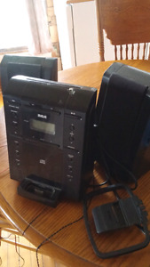 Rca radio with  am/fm cd aux iphone dock