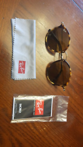 Ray Ban Round Fleck Sunglasses