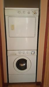 Fridgidaire Stacking Washer/Dryer