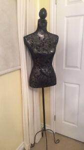 Decorative dress mannequin