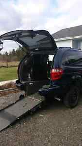 2006 Dodge Grand Caravan SXT Minivan, Van WHEEL CHAIR CONVERSION Kawartha Lakes Peterborough Area image 7
