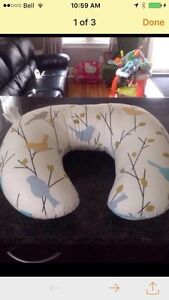 Breast feeding pillow and baby bathing chair
