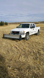 2004 GMC 2500 4X4 Extended cab snow plow