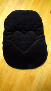 Jolly Jumper Cuddle Bag Car Seat Cozy Bag (Great Condition)