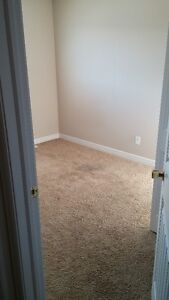 ROOM  AVAILABLE FOR RENT FROM OCT.1ST WITH GARAGE SPA