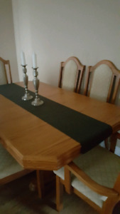 Dining Room Table-MINT CONDITION