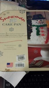 BRAND NEW Nordic Ware Snowman 3D cake pan (still in packaging)