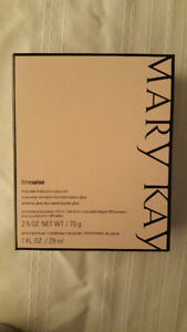 Mary  Kay Time  Wise   Microdermabrasion  Plus  Set