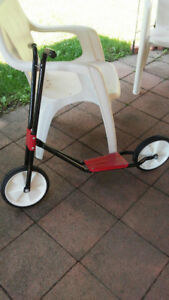 Red/Black Scooter (Metal)