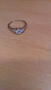 Past Present Future 10K Promise/Engagement Ring
