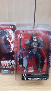 """KISS Gene Simmons """"Creatures"""" 2002 figure by Mcfarlane Toys"""