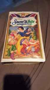 selling Walt Disney's masterpiece of snow white and the seven dw