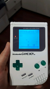 Modded DMG gameboy with 3 games