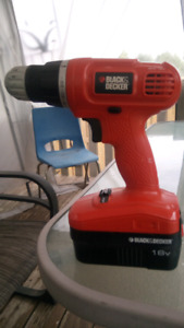 BLACK AND DECKER 18V lithium ion power drill with battery