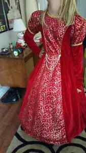 Red ballroom gown size 8/10 London Ontario image 4