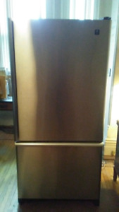 "32"" 5/8"" Maytag Refridgerator Plus Fridge"